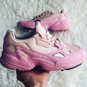 ADIDAS FALCON WOMENS SNEAKERS SIZE 7.5